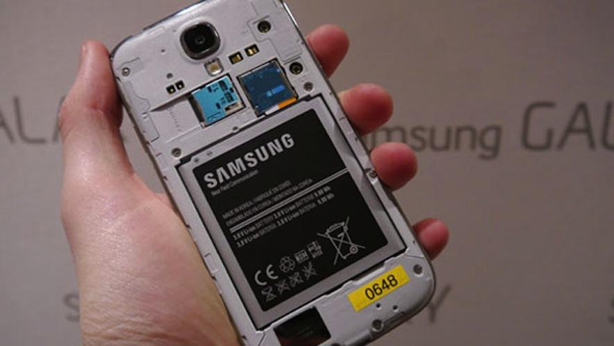 Samsung s4 slår seg av hele tiden