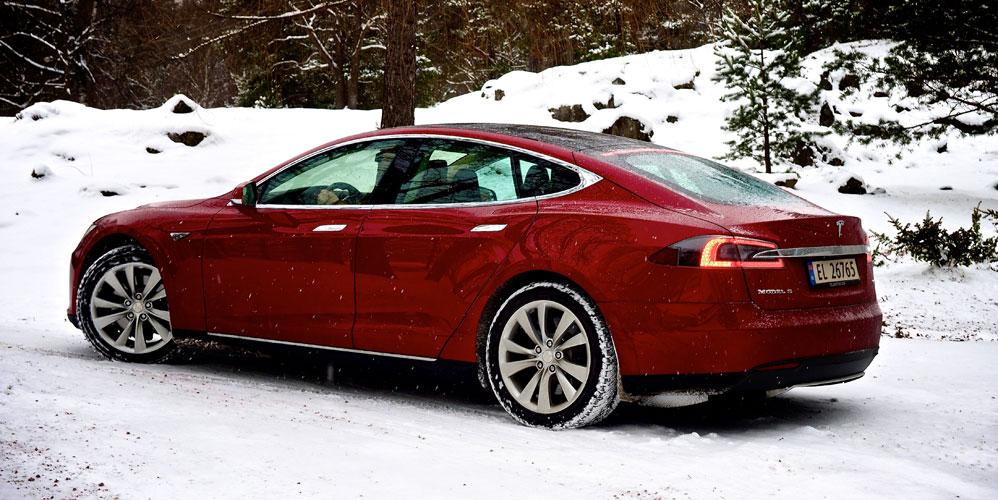 Tesla-S-q-side