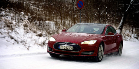 Tesla-S-speed