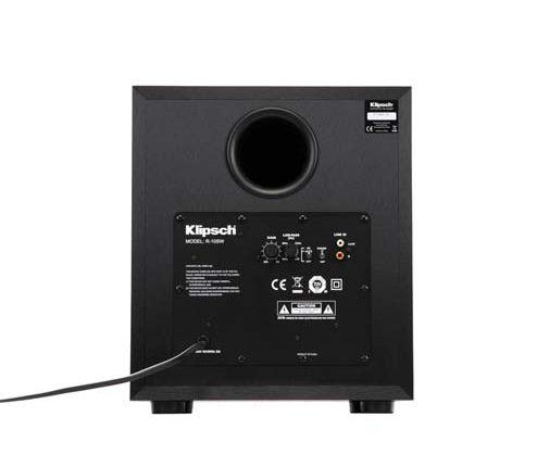 Subwooferen R-10SW: For best mulig tilpasning til rom og høyttalere har subwooferen trinnløs justering av delefiltret fra 40 til 160 Hz, samt 180 fasebryter.