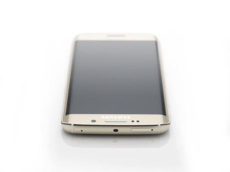 Galaxy_S6_edge_Topdown_Gold_Platinum_Art_Photo-1024x768