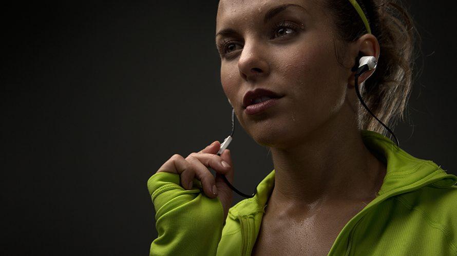 10 trådløse hodetelefoner til trening