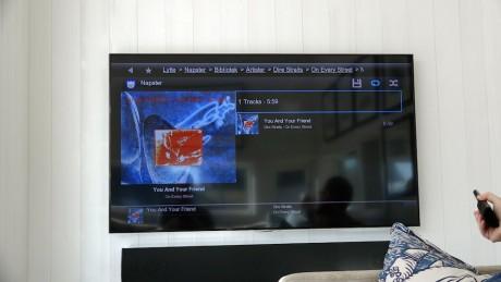 Control4 har innebygd grensesnitt for flere musikktjenester. I dette tilfellet vises Napster, som har best oppløsning på grafikken.