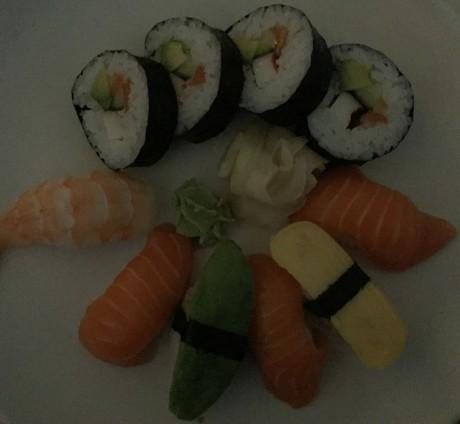 Sushi-dark-iPhone-6-1024x944