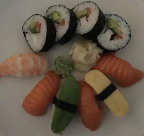 Sushi-dark-iPhone-6s-1024x969