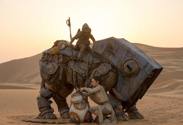 Star Wars: The Force Awakens..L to R: BB-8 w/ Rey (Daisy Ridley)..Ph: David James..?Lucasfilm 2015