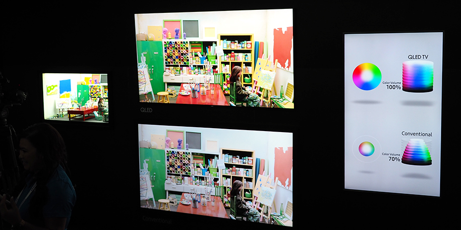 Färgrymden i Samsungs QLED-skärmar (överst) är markant bättre än vanlig OLED (underst). Åtminstone förra årets OLED-teknik. Foto: Geir Gråbein Nordby