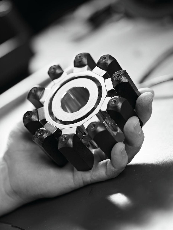 De synnerligen häftiga neodym-magneterna ger en strålande kontroll över elementen. Foto: Raidho