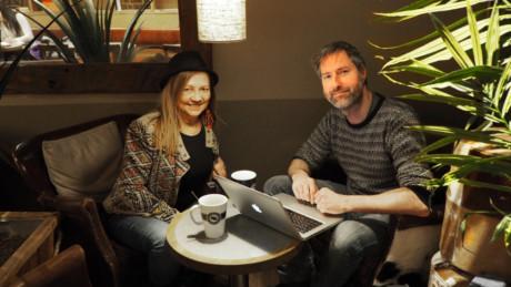 En givande samtal mellan Mari Boine och Gråbein. Foto: Ane Marte Skårdal Jonassen