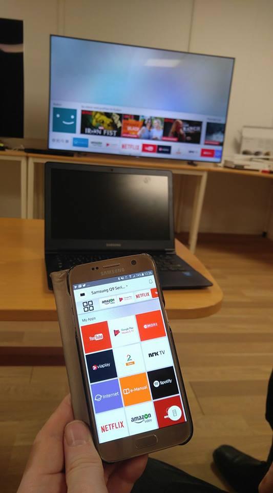 Det går också att använda Samsungs Smartview-app för att styra TV:ns funktioner och dela innehåll. Foto: Audun Hage.