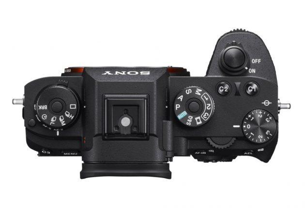Kompakt og lett, med med bedre ergonomi enn Sonys andre alpha-kameraer.