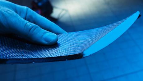 Ett tvärsnitt av membranet med en profil som påminner om en flygplansvinge. Därav namnet Aerofoil. Foto: Geir Gråbein Nordby