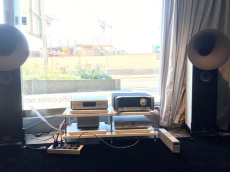 Anläggningen vi spelade på: CD-spelaren T+A MP 1000E, integrerade förstärkaren Avantgarde Acoustic XA och högtalarna Avantgarde Acoustic Uno XD. Sammanlagd prislapp: 400 000 kronor. Foto: Geir Gråbein Nordby