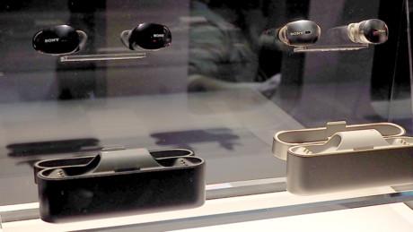 Vi såg en prototyp av WI-1000X i Las Vegas i januari, och då var batteritiden osäker. Foto: Geir Gråbein Nordby