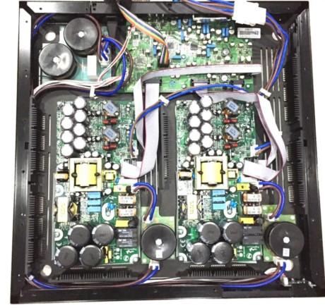 En stereoförstärkarmodul av med 2 x 500 watt driver de två minsta modellerna. Den största har två bryggkopplade moduler. Foto: Bowers & Wilkins