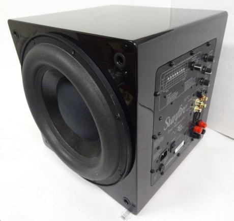 """Sunfires """"True Subwoofer"""" – en 30 centimeters kub som återgav 20 Hz med ljudtryck över 100 dB tack vare en inbyggd förstärkare på 2 200 watt."""