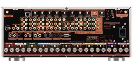 Marantz SR8012 har 11 förstärkarkanaler, vilket betyder gott om utgångar. På baksidan finns det mesta man kan tänkas behöva. Foto: Marantz