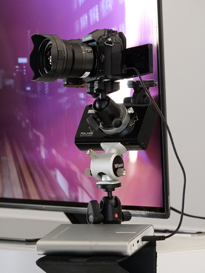 Lumix G9 passar även för astrofoto, time lapse eller intervallfotografi. Här sitter kameran på en passande rigg. (Foto: Lasse Svendsen)