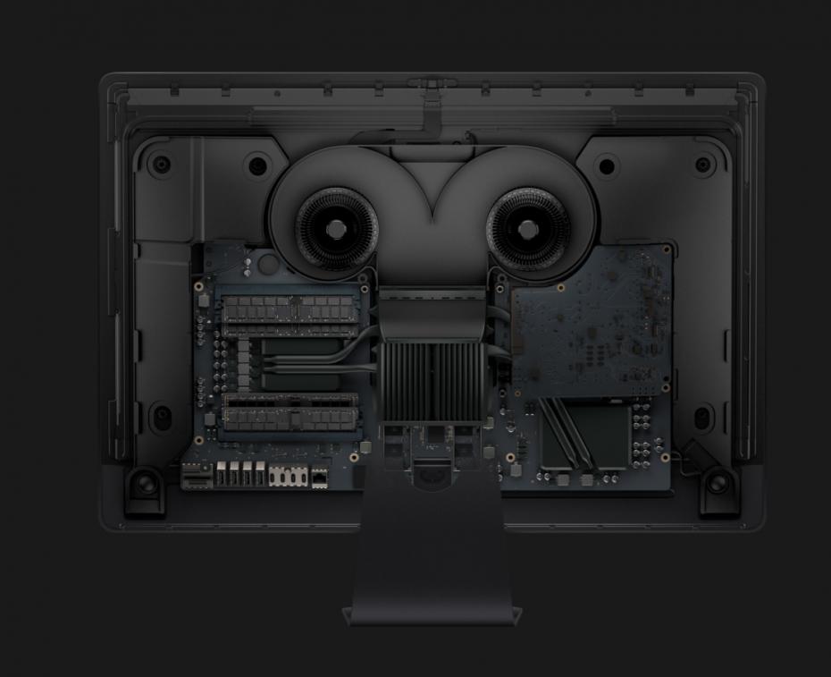 En iMac Pro är så tättpackad att den behöver fläktar att svalka av sig med. Foto: Apple