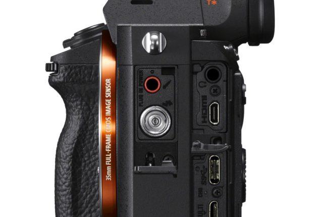 Kameraet er utmerket til proffvideo med HDMI-, mikrofon- og hodetelefonkontakt.