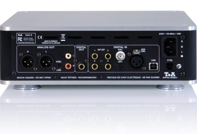 USB-inngangen på baksiden, støtter PCM opptil 32-bit/384kHz, og DSD opptil DSD512