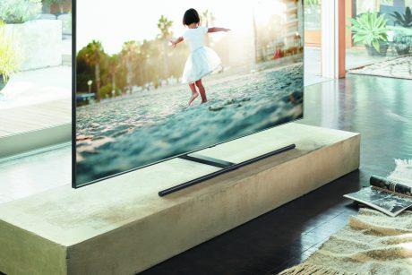 Den nya Q9-serien från Samsung kombinerar äkta LED-bakbelysning (Direct Full Array) med smart design. Foto: Samsung