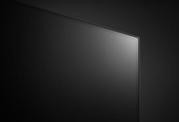 LG OLED C8 er en av de tynneste TV-ene vi har sett.