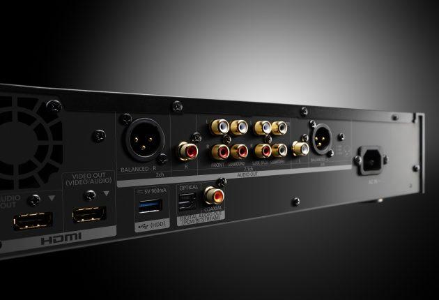UB9000 har rikelig med tilkoblingsmuligheter, inkludert doble HDMI-utganger, 7.1 analog RCA samt balanserte XLR stereoutganger.