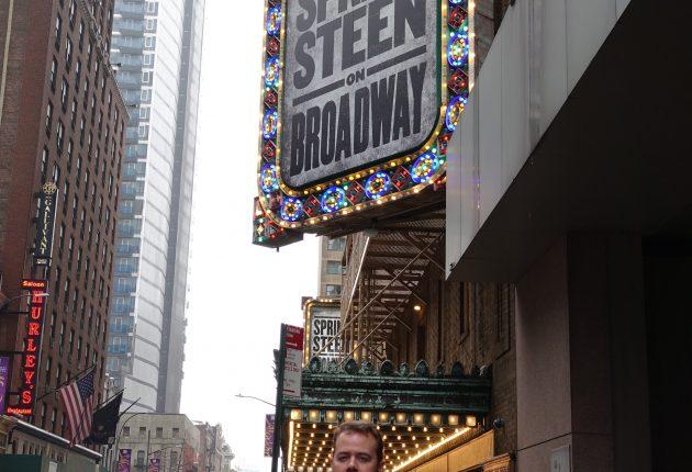 Lyd & Bildes utsendte foran The Walter Kerr Theatre, «Springsteen on Broadway», 01.12.2018 (Foto: Tor Aavatsmark)