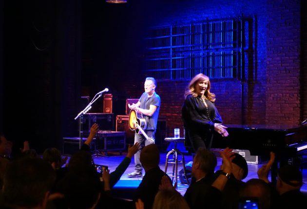 Bruce Springsteen og Patti Scialfa, «Springsteen on Broadway», 01.12.2018 (Foto: Tor Aavatsmark)