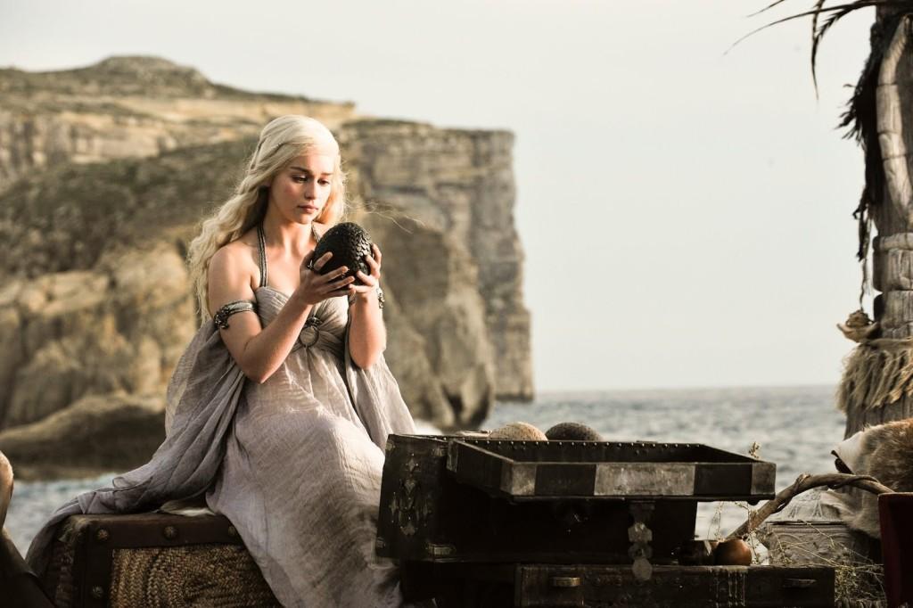 Går Daenerys Targaryen (Emilia Clarke) segrande ur striden i kampen om  Järntronen? Måndag den 20 maj vet vi … (Foto: HBO)