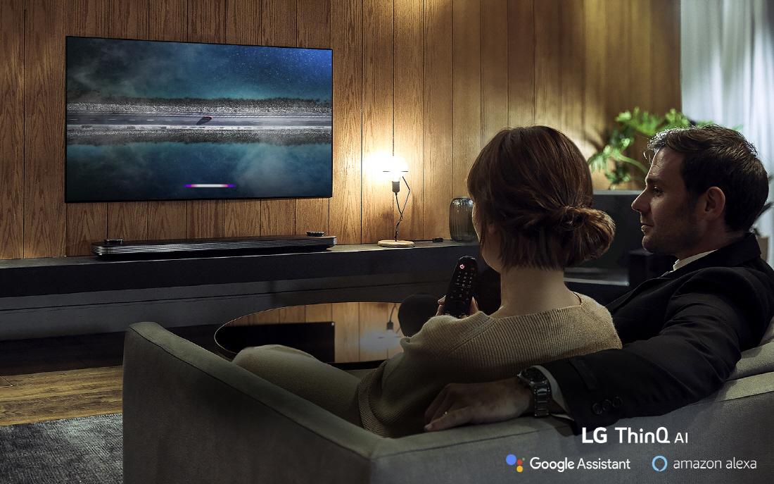 Årets nya LG OLED-modeller är förberedda för röststyrning. (Foto: LG)