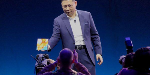 MWC 2019: Huawei lanserer overlegen brettbar mobil