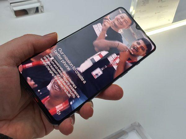 OnePlus er klar med 120 Hz Fluid Display-skjerm i 2020