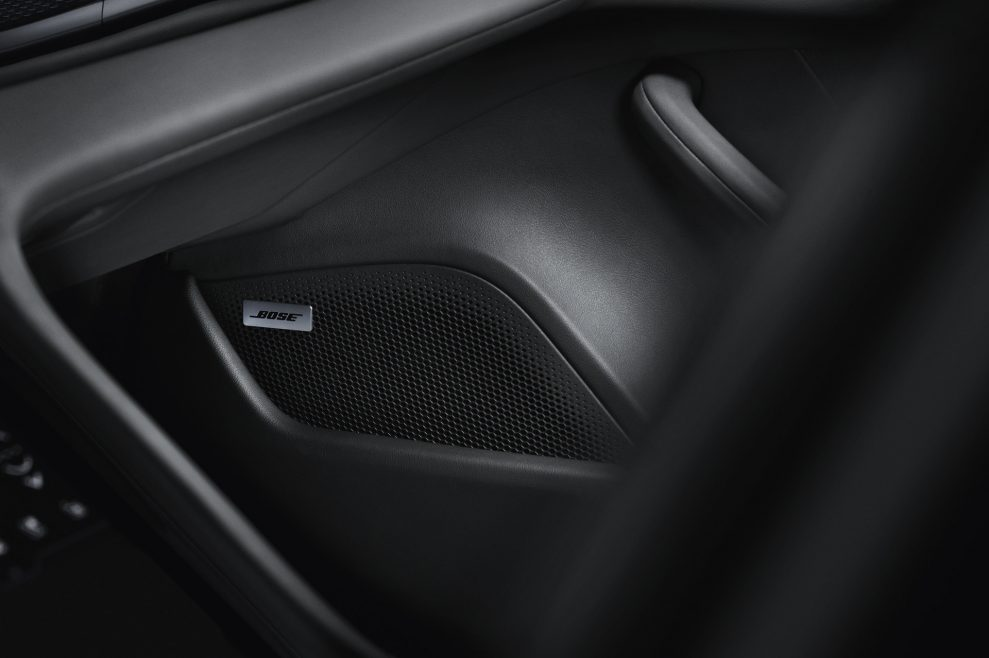 Porsche Taycan Bose 989x658 - Porsche Taycan med Burmester Sound System