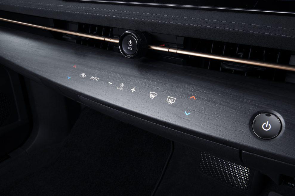 ARIYA Interior Image_ instrumental panel on-1200x800