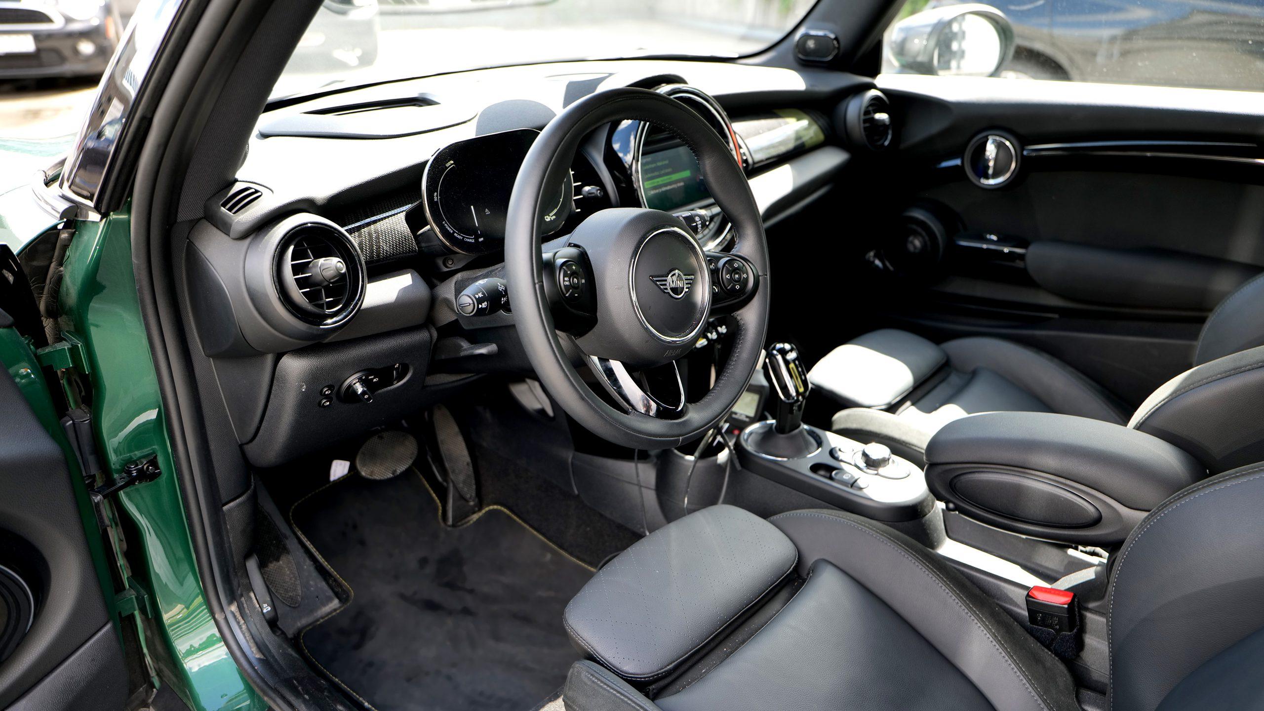 Mini Cooper SE coupe