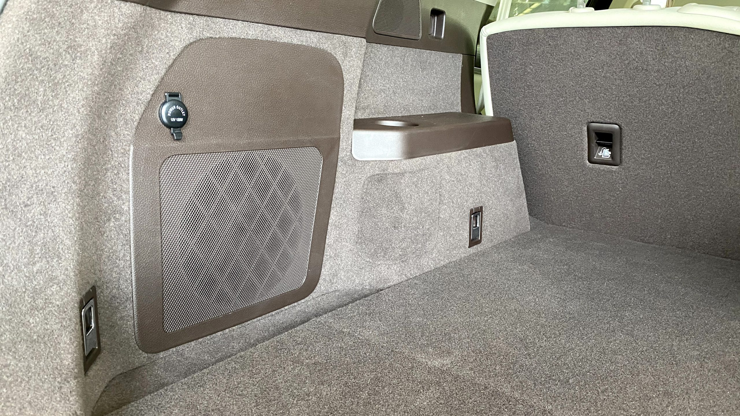 BYD Tang subwoofer