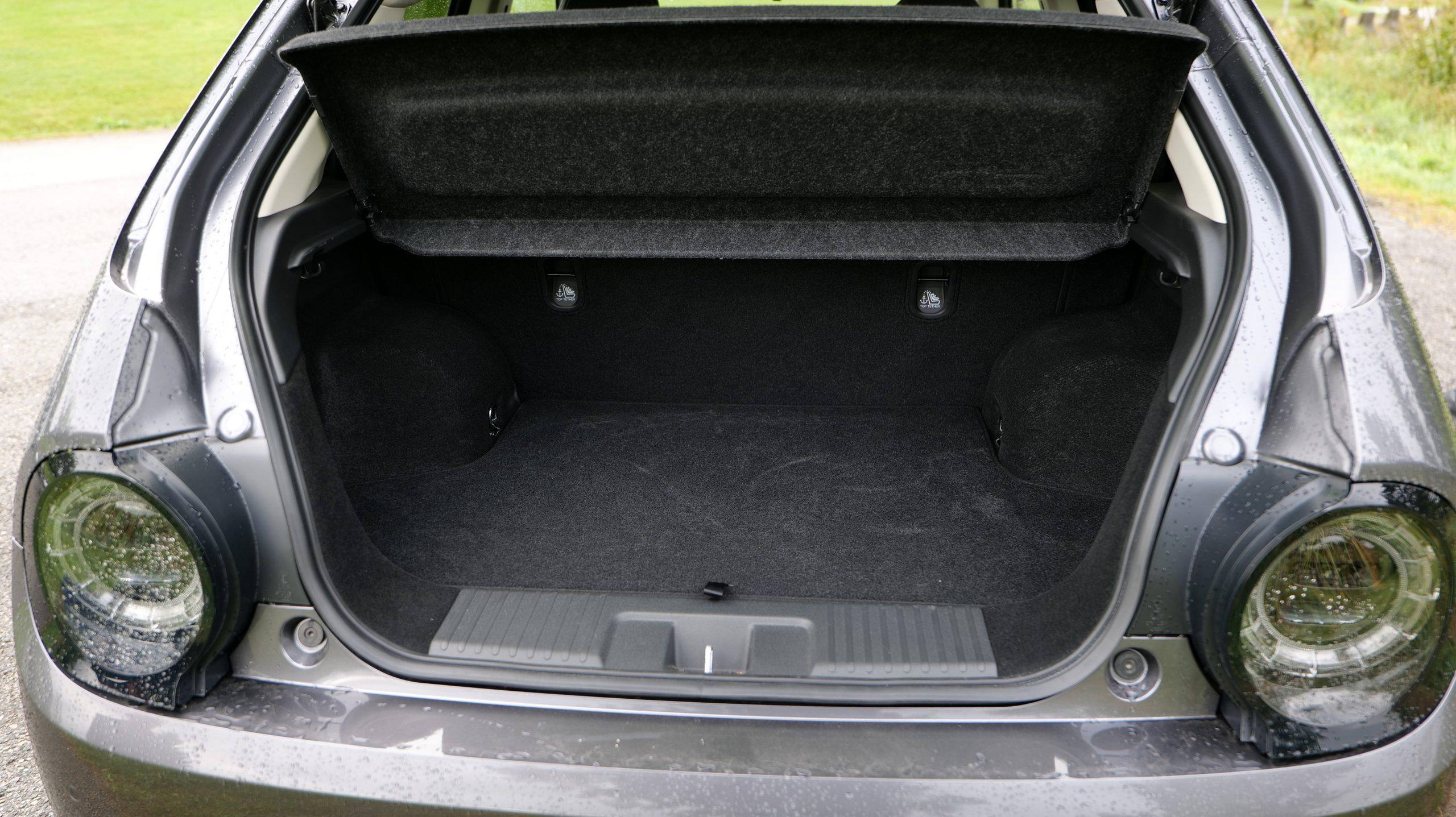 Honda e trunk