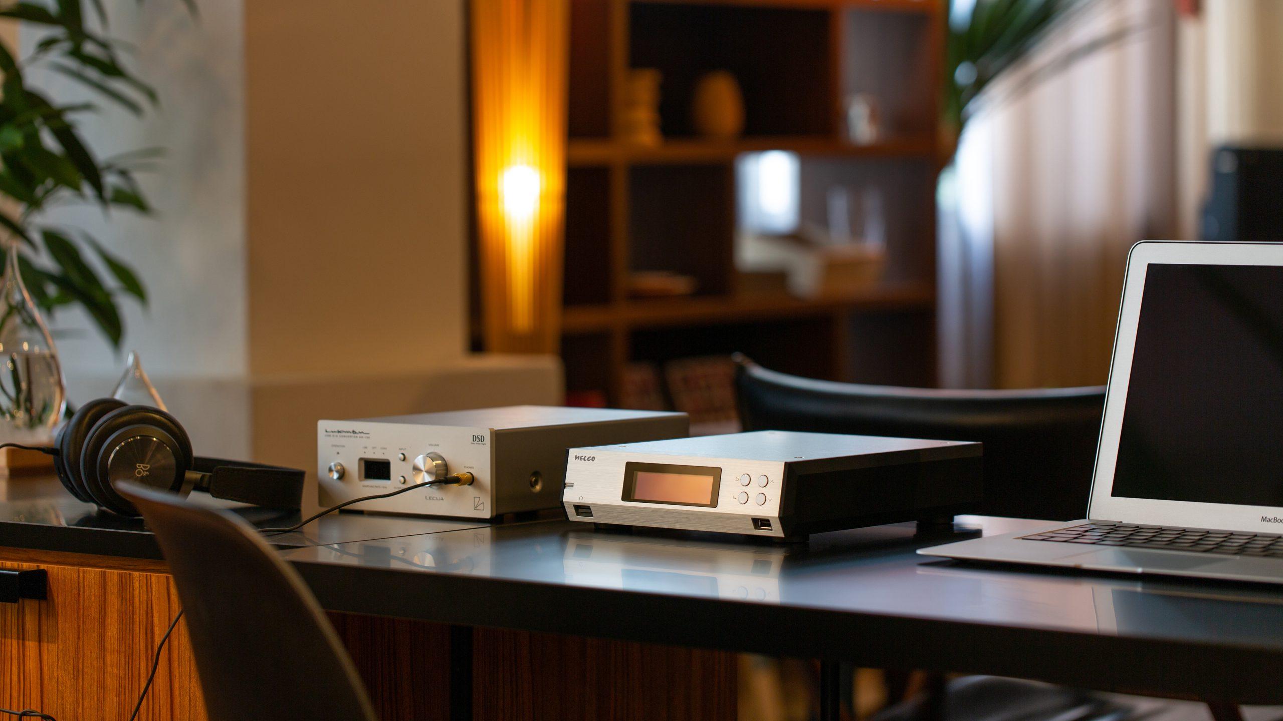 Melco lager nettverksprodukter som skal foredle signalet i forkant av streameren / DAC-en. Foto: Melco