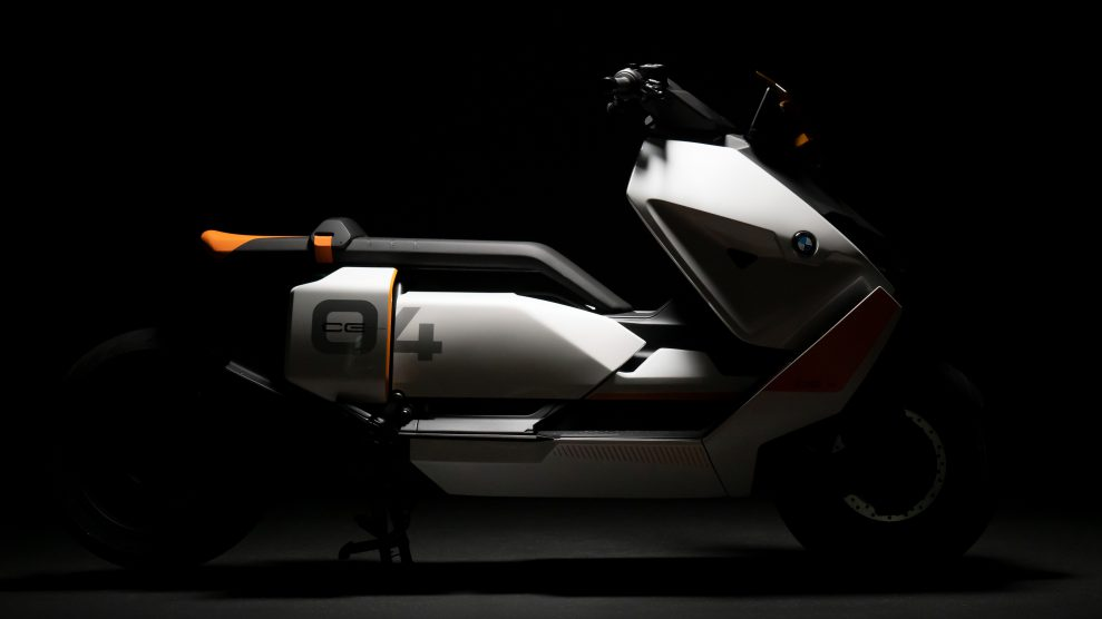 BMW Motorrad Definition CE 04 (2)
