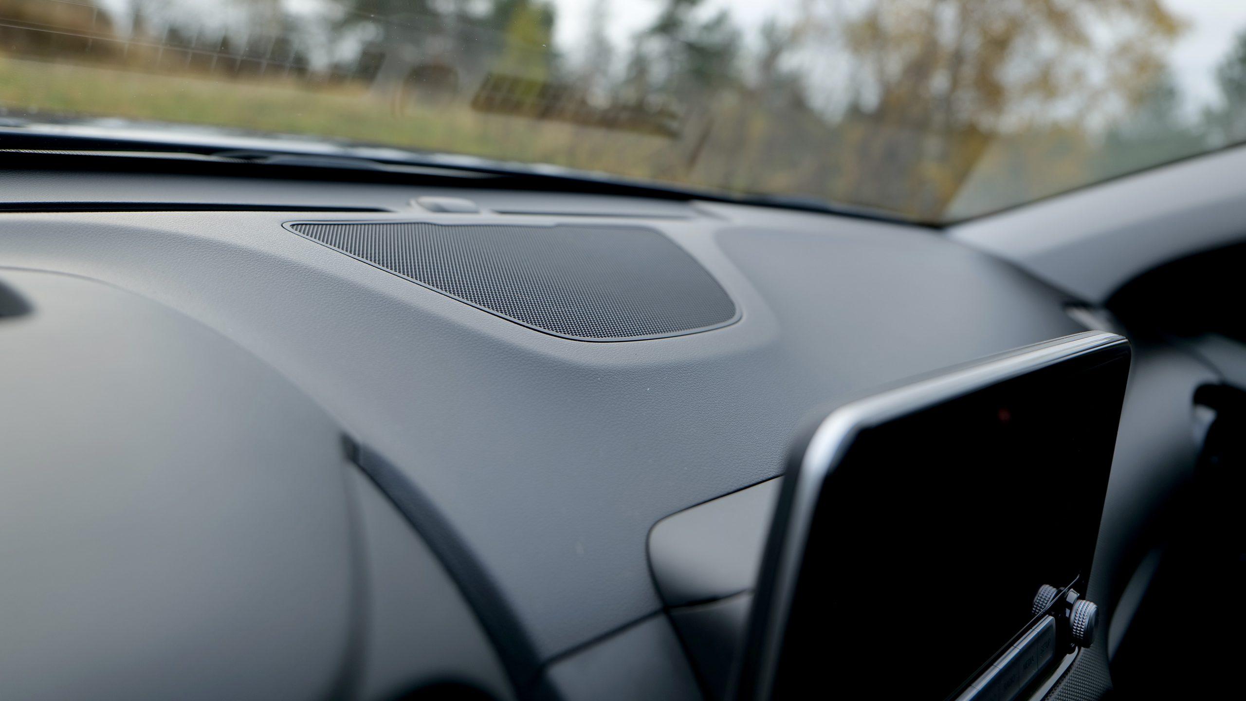 Hyundai Kona center speaker
