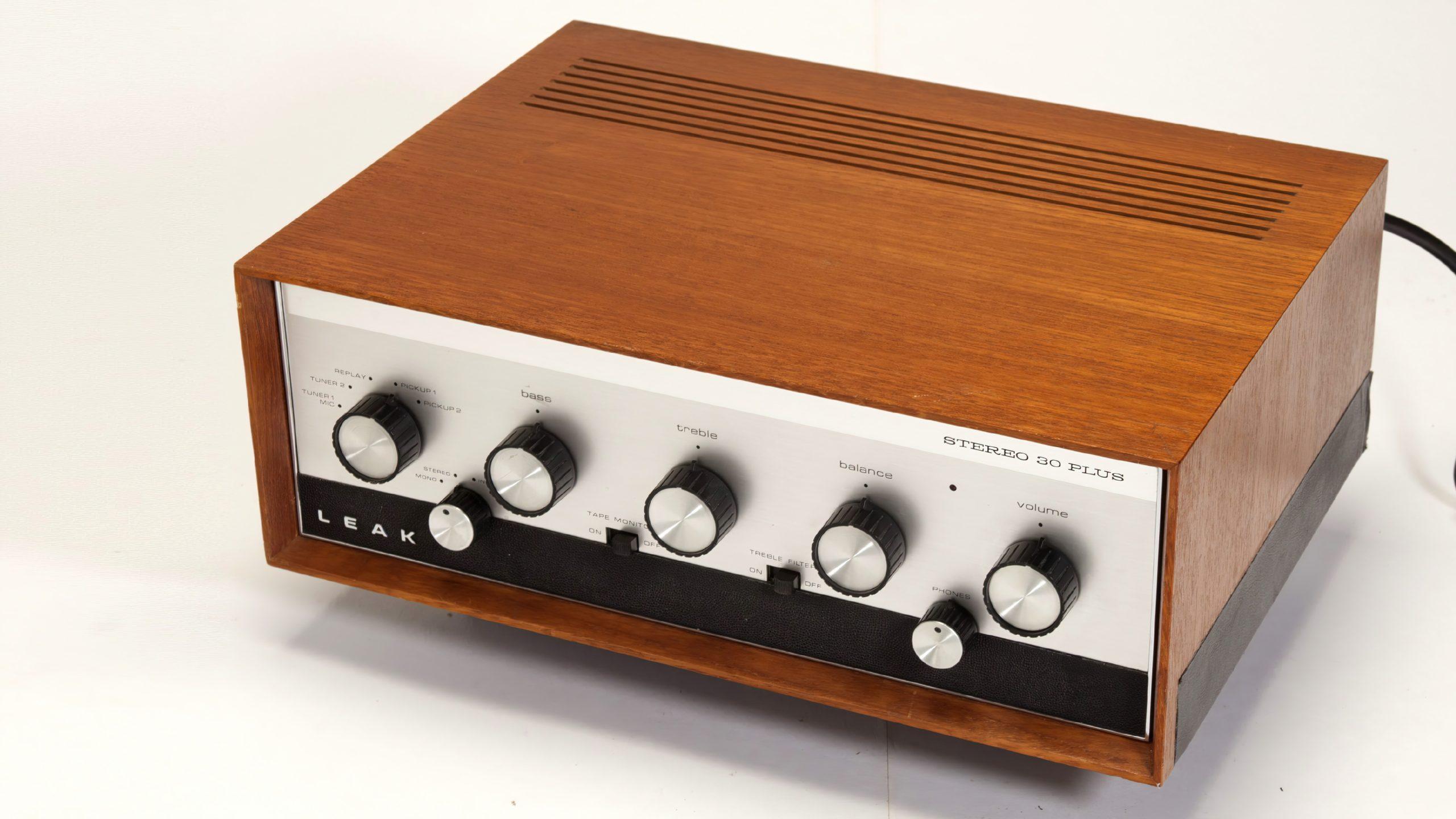LEAK Stereo 30 Plus