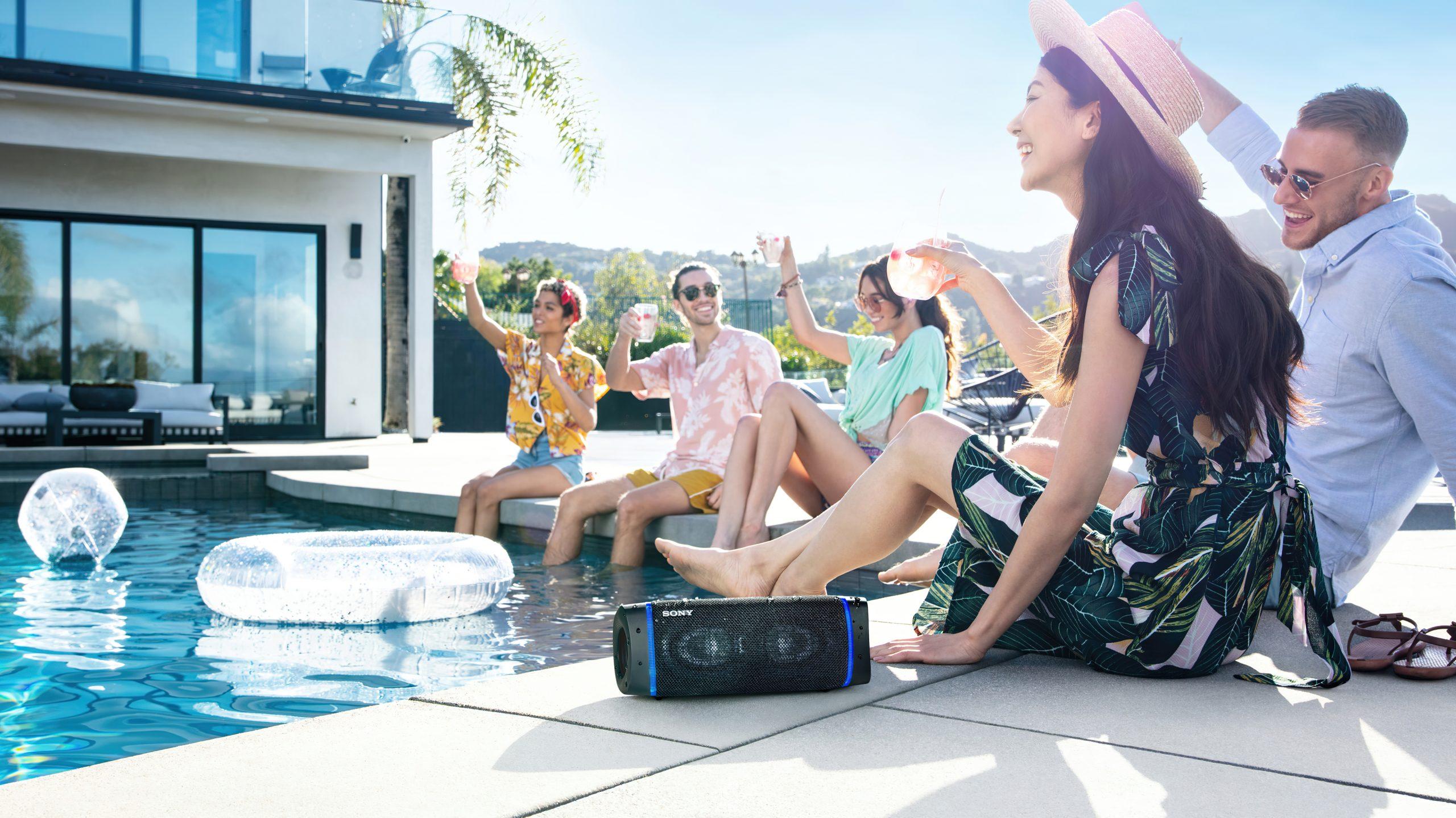 Sony SRS-XB33 lifestyle