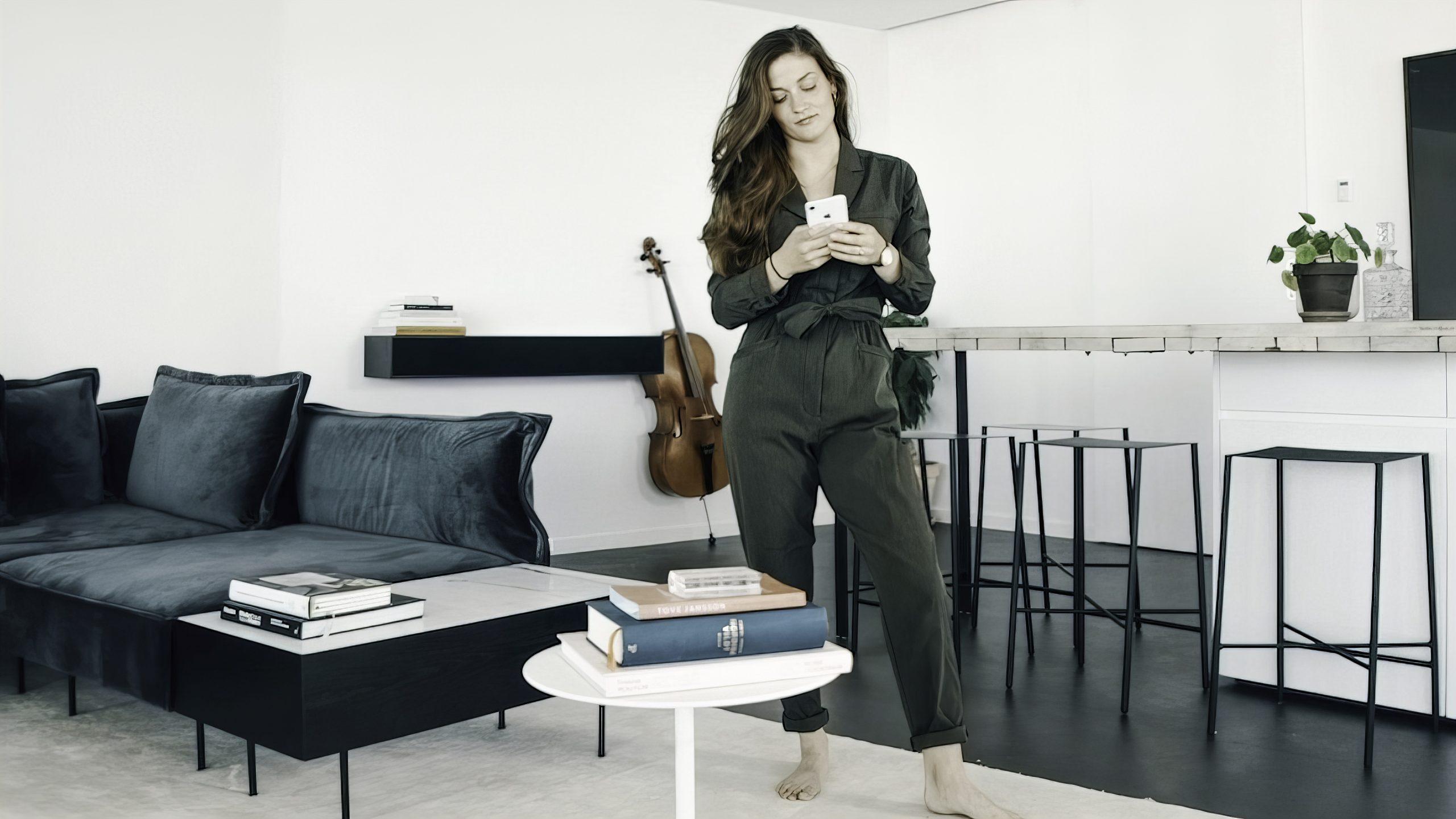 Lemus Home Artistic & woman