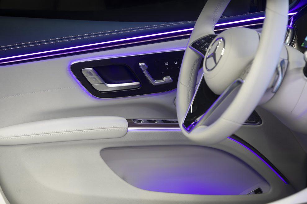 Mercedes-Benz_EQS_Manhattan_67