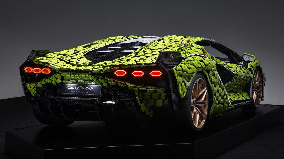 Life-size LEGO Technic Lamborghini Sian FKP 37 (10)