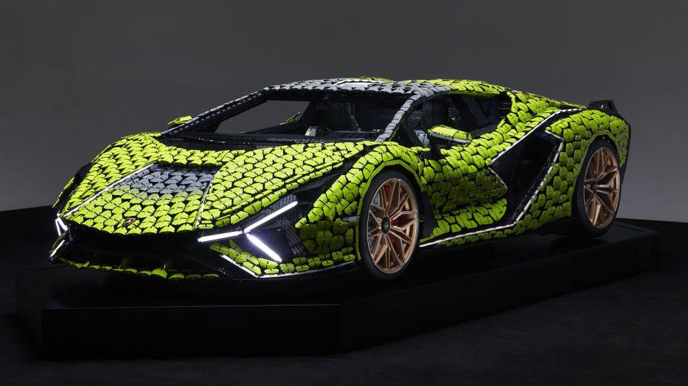 Life-size LEGO Technic Lamborghini Sian FKP 37 (17)