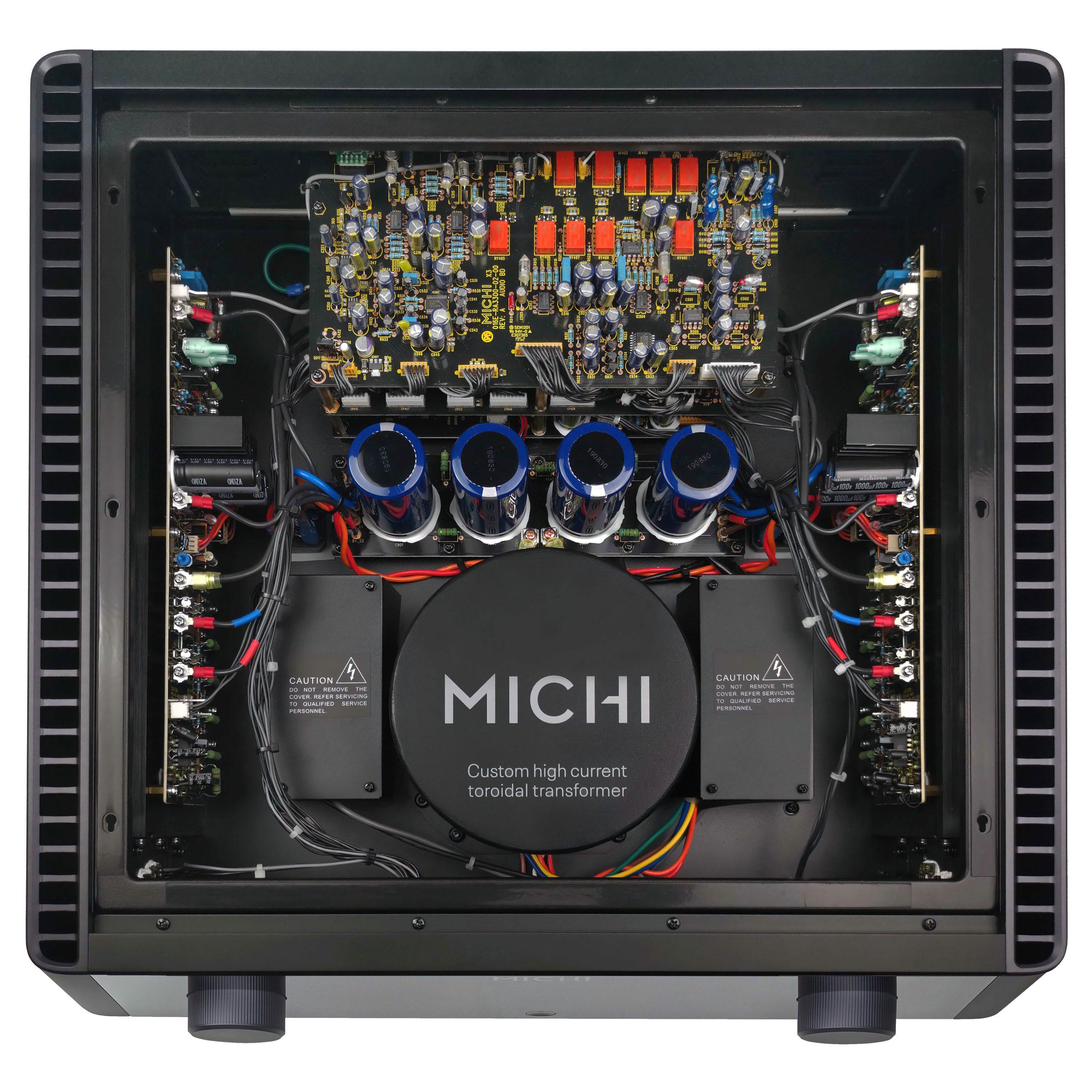 Rotel Michi X3 interior