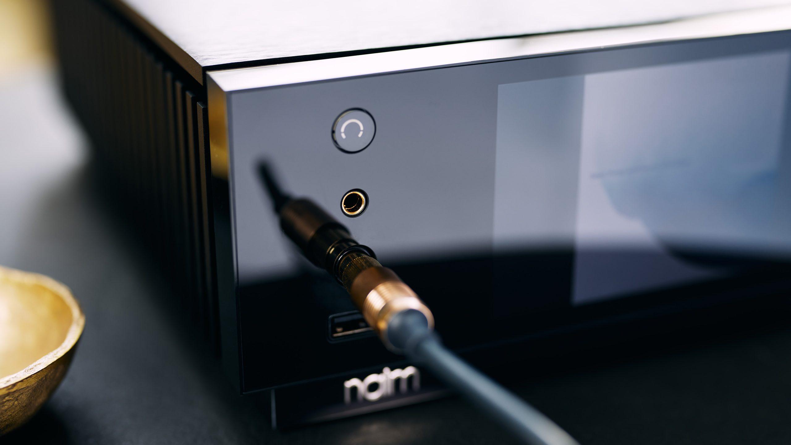 Naim Uniti Atom Headphone Edition - headphone connection